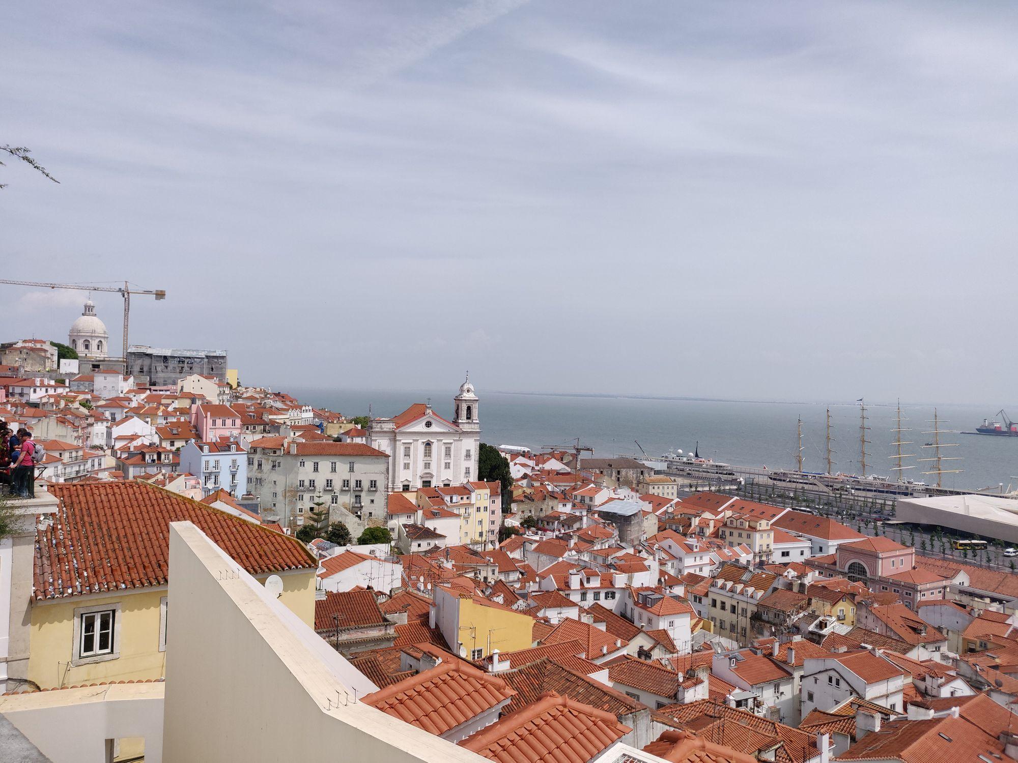 Un mirador donnant sur L'alfama, le plus vieux quartier de Lisbonne