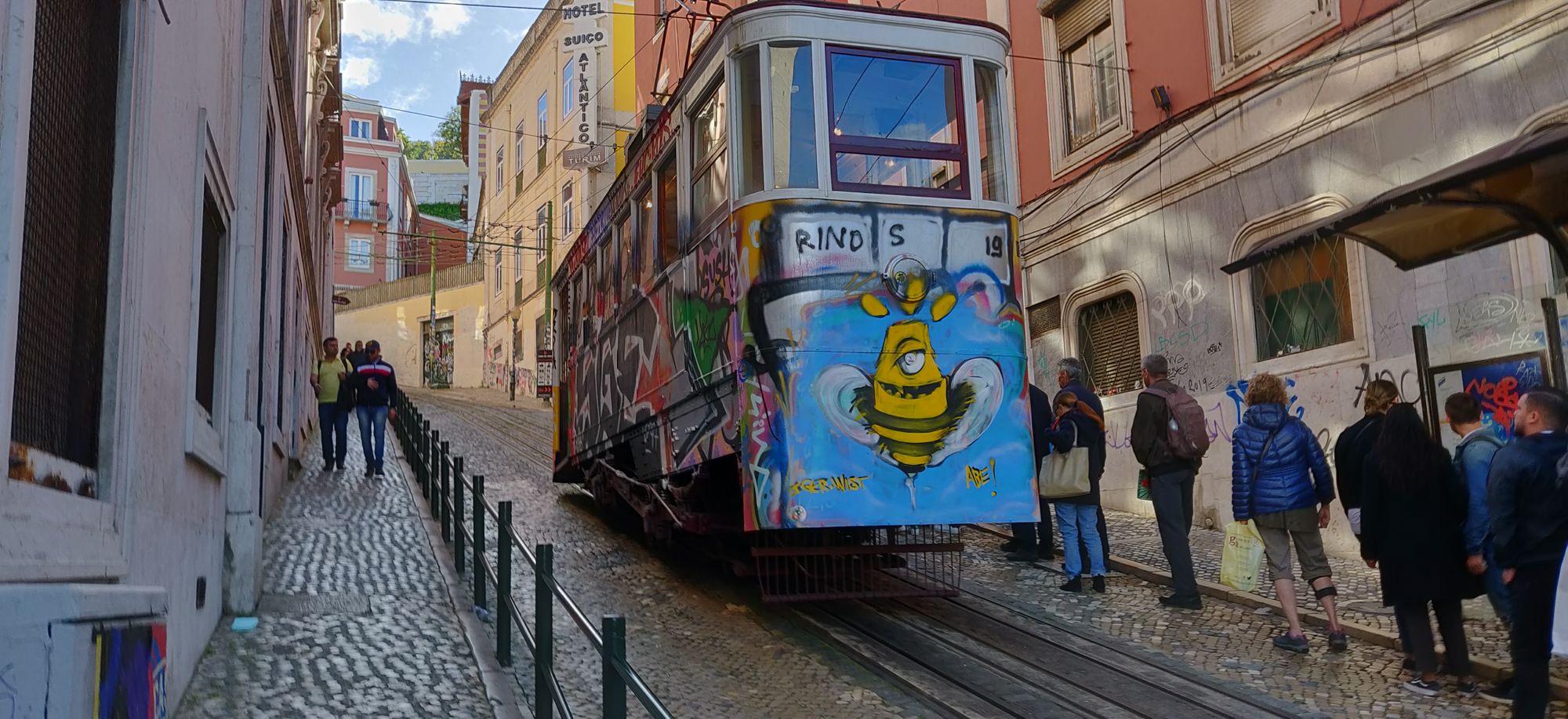 Un tramway graffé